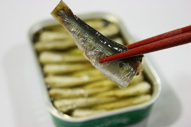 油にもこだわったオイルサーディンはおいしい竹中缶詰